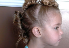 Little Girl's Hairstyles: The Mohawk and The Tiara Stuffed Buns Hairdo