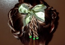 Little Girl's Hairstyles: St. Patrick's Hairdo: The Shamrock Hairdo