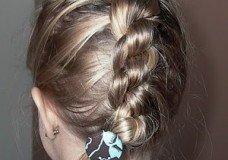 Little Girl's Hairstyles- Blast from the past: Daisy Chain Braid or Knotted Braid
