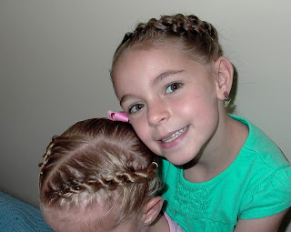 Little Girl's Hairstyles – Daisy Chain or Knotted Braid Hairdo Ideas!