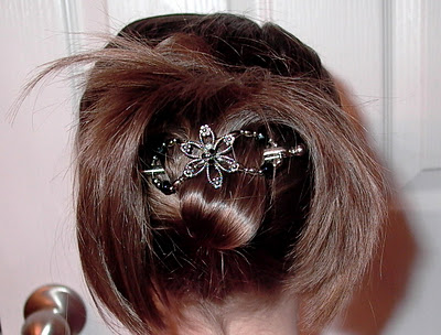 Little Girl's Hairstyles: How to use a Flexi-Clip Hair Clip Video Tutorial