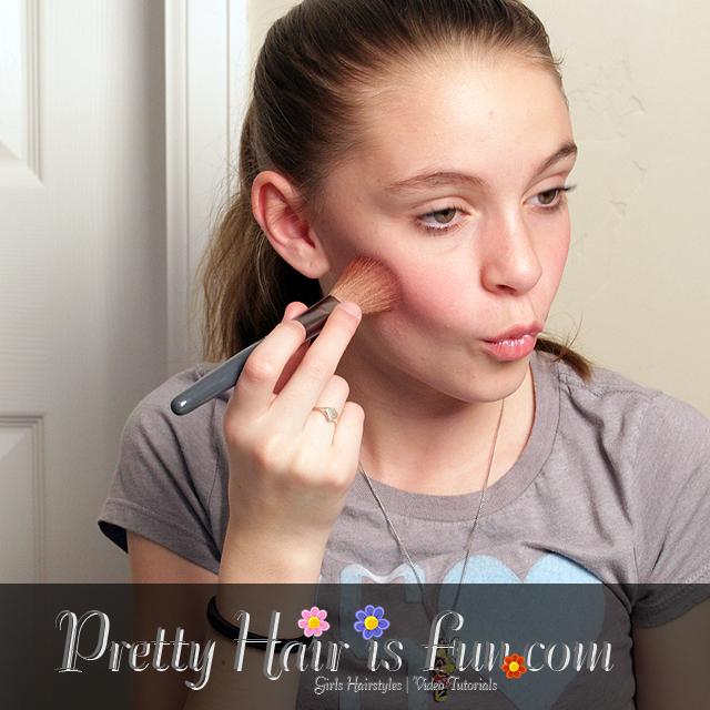 Pretty Hair Is Fun Tween Makeup Tutorial Amp Giveaway Pretty Hair Is Fun Girls Hairstyle Tutorials