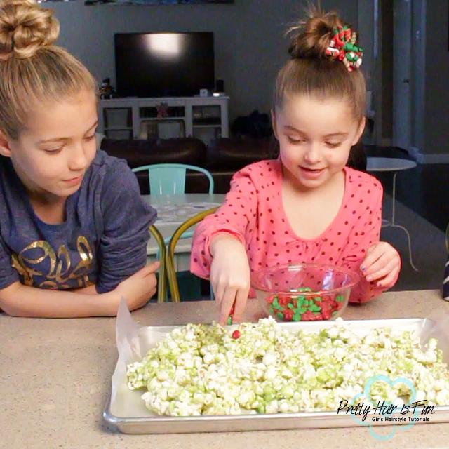 Pretty Hair is Fun: Holiday DIY Treat: Grinch Popcorn